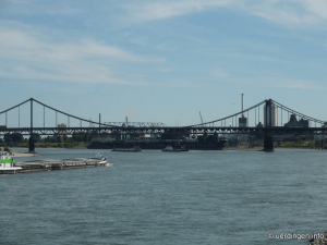 Rheinbrücke bei Uerdingen