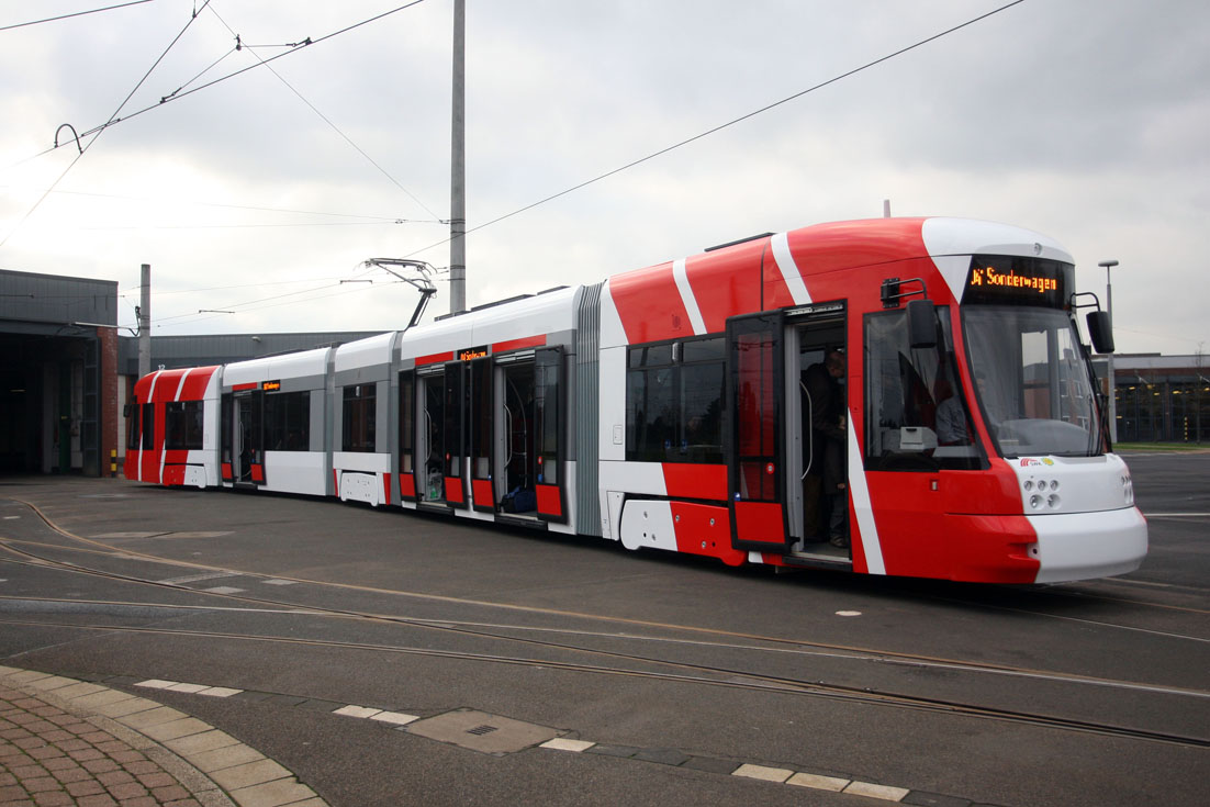 BOMBARDIER FLEXITY Outlook Niederflurbahn SWK